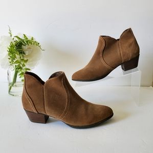 Ariat Suede heeled Ankle Booties 7.5